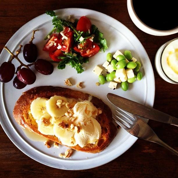 Today's breakfast. French toast with ice cream and banana - @keiyamazaki | Webstagram