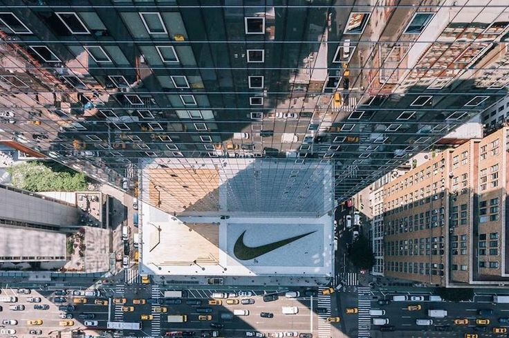 Dazzling Nikes New York Headquarters  Nike has just unveiled its new headquarters in New-York. Located in the heart of Manhattan this unusual space has offices wellness rooms libraries and above all a basketball court. Created in Oregon the American firm has continued to interest in New York to the point of launching an initiative called New York Made last year.       #xemtvhay