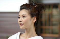 Вы задумавались, почему японские женщины так хорошо выглядят? Ведь они до старости сохраняют упругую кожу, изящную фигуру и здоровые волосы. Как же им это удается? Одни специалисты утверждают, что «ф…