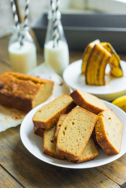 Банановый хлеб из Шанхая Когда я был в Шанхае и крайние три дня жил в отеле Jing An Shangri-La, очень любил попробовать разные блюда на завтрак. Оно и понятно, безлимитные горы всяких вкусностей, кто откажется от такого. После всех этих дегустаций на десерт обычно ешь только фрукты, больше ведь ничего уже не влезает. И в...