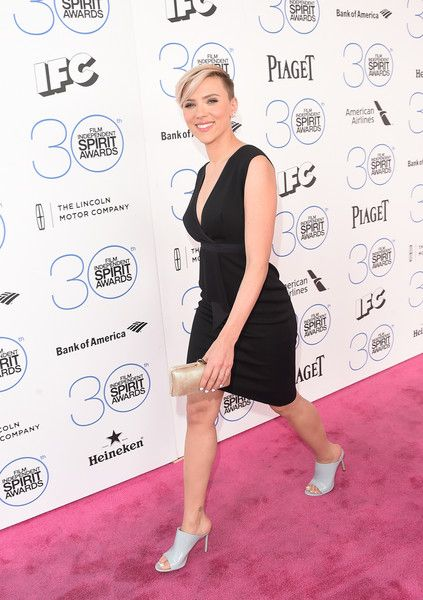 Short Hairstyles Lookbook: Scarlett Johansson wearing Boy Cut (1 of 30). Scarlett Johansson was tomboy-chic with this half-shaved 'do during the Film Independent Spirit Awards.