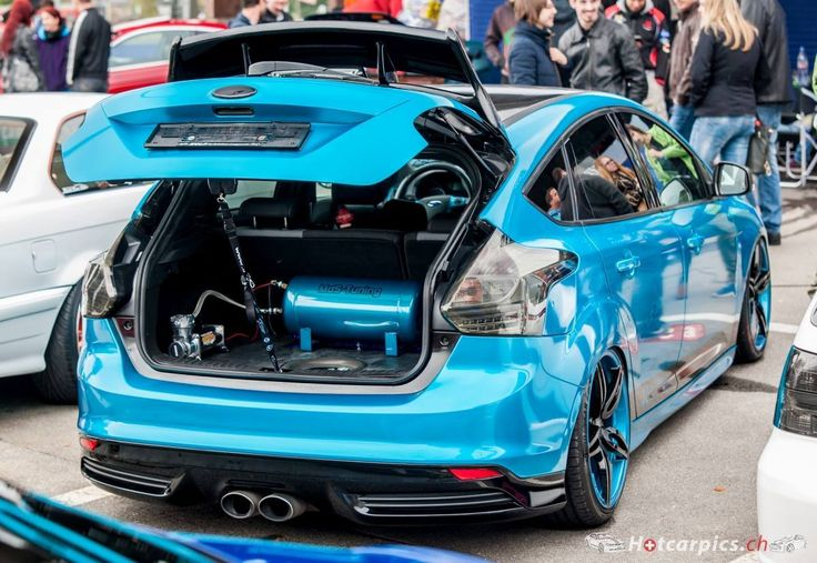 Blue Ford Focus ST mk3 Tuning
