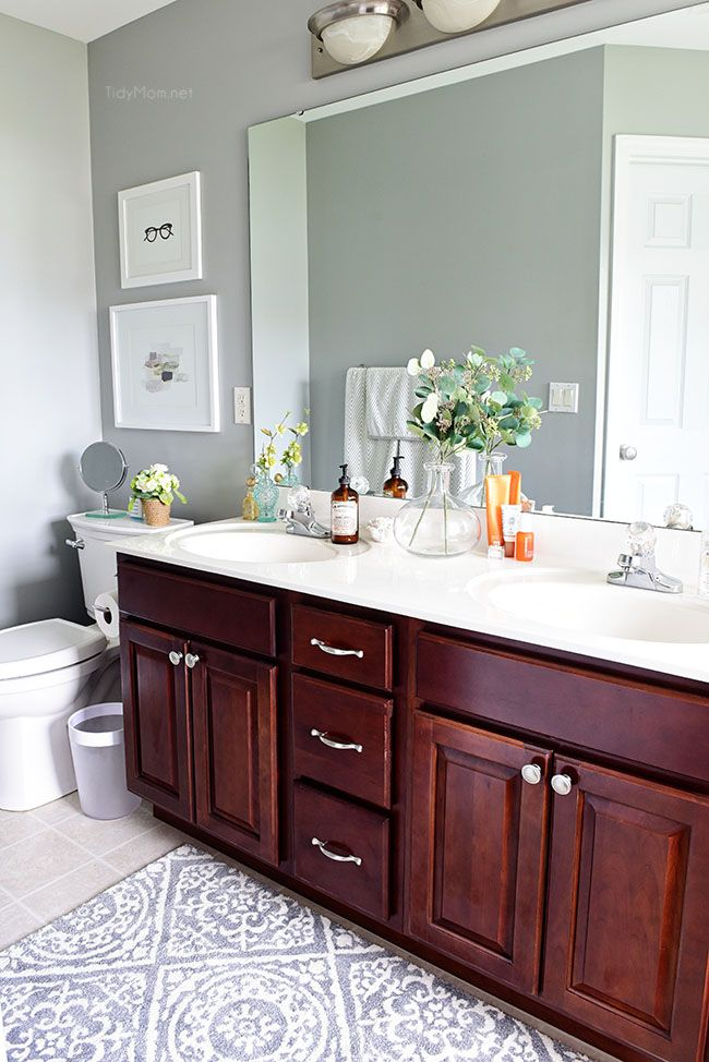 How To Keep Your Bathroom Clean In 5 Minutes A Day Bathroom Cleaning Deep Cleaning Tips Cleaning Hacks