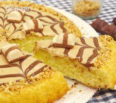 La crostata al cioccolato bianco è un dolce goloso che piacerà a tutti. Nella nostra versione abbiamo realizzato una crostata morbida facile e veloce da preparare, ideale per una merenda squisita e originale