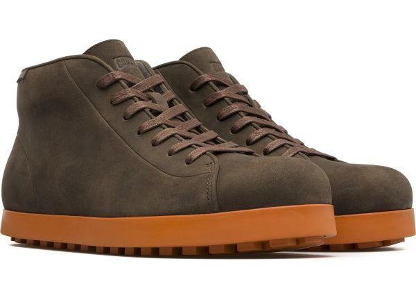 Наши мужские ботинки Beluga повторяют округленную, объемную форму своего тезки, замеча&#1...