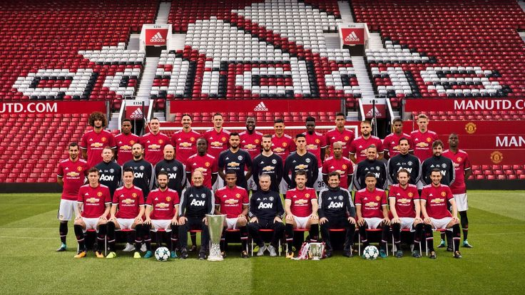 Manchester United release official 2017/18 team photo  - Official Manchester United Website