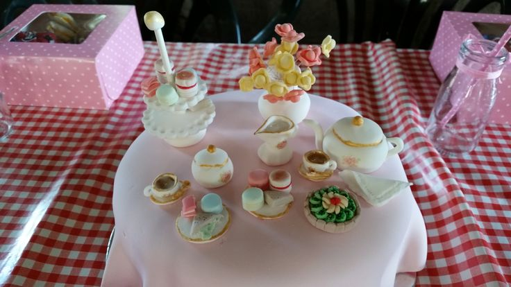 Lucy's 6th birthday cake - she requested a mini tea party birthday cake and so here is my interpretation of that!