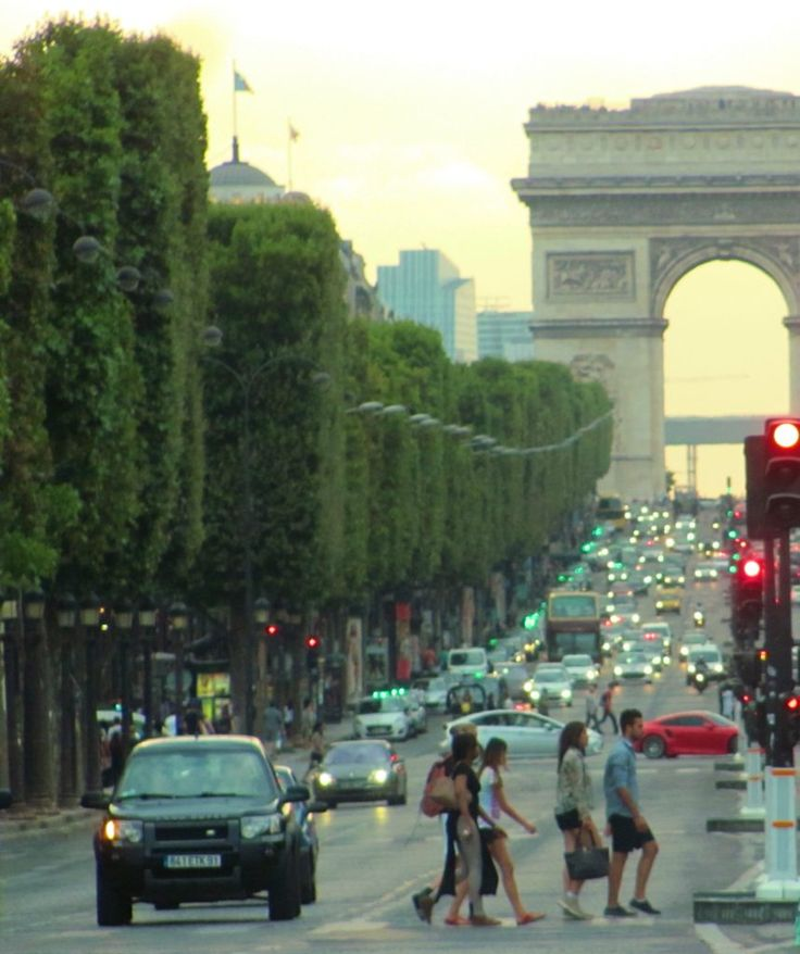 Beautiful walks in Paris