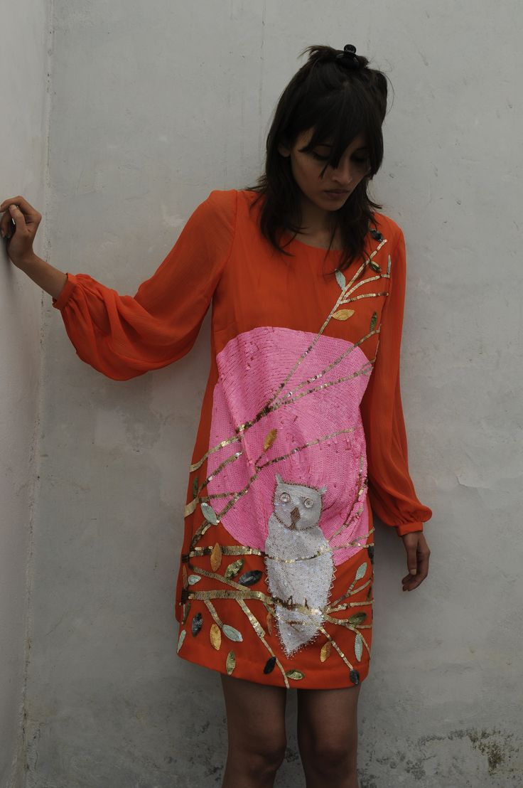 "Julie Skarland,  one-of-a-kind "" Until Morning"" , Alice in Hindustan 2014. Photo Pablo Bartholomew"