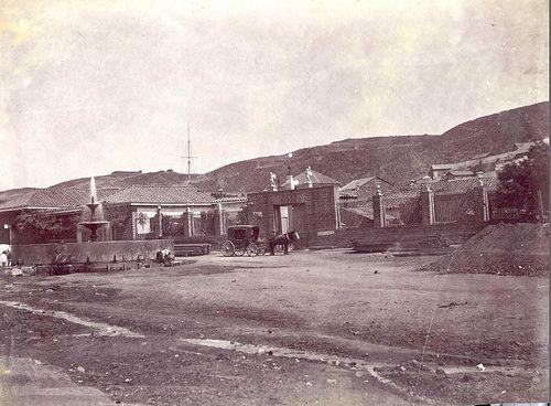 https://flic.kr/p/6cVeKd | hospital san juan de dios de  valparaiso 1863 | El Hospital Esta visto desde la actual calle Colon.