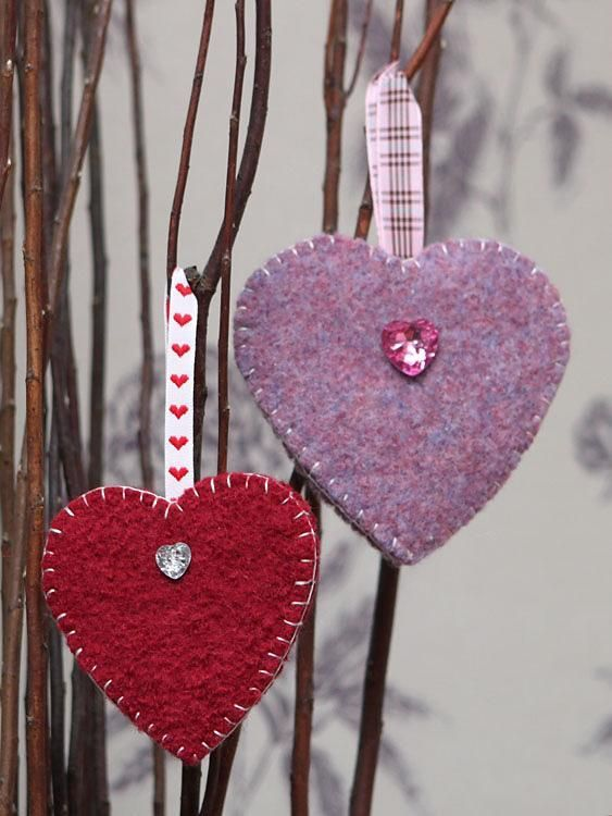 Hanging Heart Knitting Pattern : Love is, Love heart and Knitting patterns on Pinterest