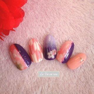 和柄/桜・矢絣 (ネイルチップ販売) お着物、袴、浴衣などの和服向けのネイルです。 卒業式の袴などと合わせてみるのもいかがでしょうか♪ ご自身の爪に合ったサイズでお作りいたします。 チップの種類が豊富です♪ https://minne.com/yuminy1101 #フラワー #浴衣 #パープル #お正月 #ピンク #成人式 #ジェルネイル #ホワイト #卒業式 #和 #ハンド #ミディアム #チップ #rose #ネイルブック