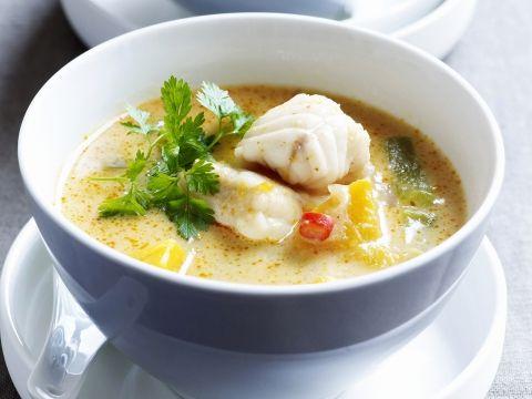 Pittige maaltijd soep met pompoen en kablejauw
