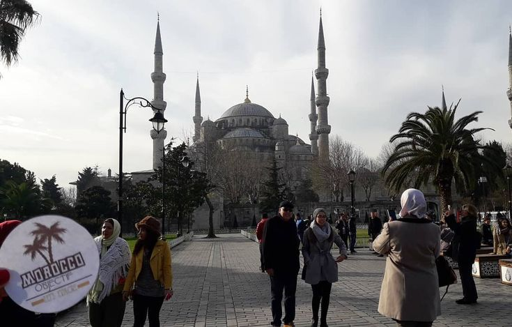 Not only guides through the Moroccan lands...but also travelers through the world...  #moroccoobjectif #istanbul #turkey #türkiye #constantinopolis #bluemosque #sultanahmet #mosque #islam #culture #sultan #nomad #history #travel #travelphotography #instatravel #travelgram #instagood #instaphoto