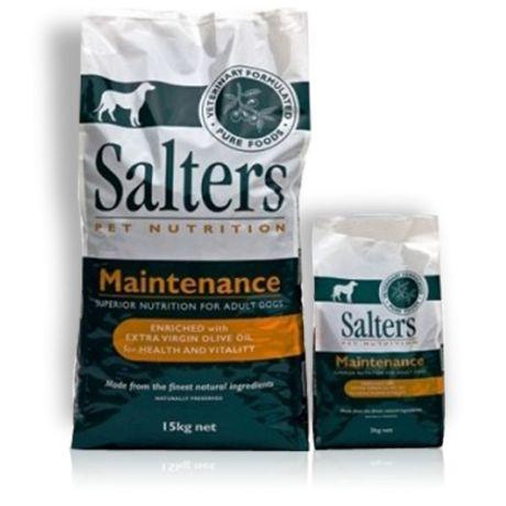 Salters Canine Maintenance - SALTERS poate fi administrat în stare uscată sau umezită în apă caldă, în funcţie de preferinţe, iar doza zilnică recomandată poate fi administrată în una, două sau trei mese.
