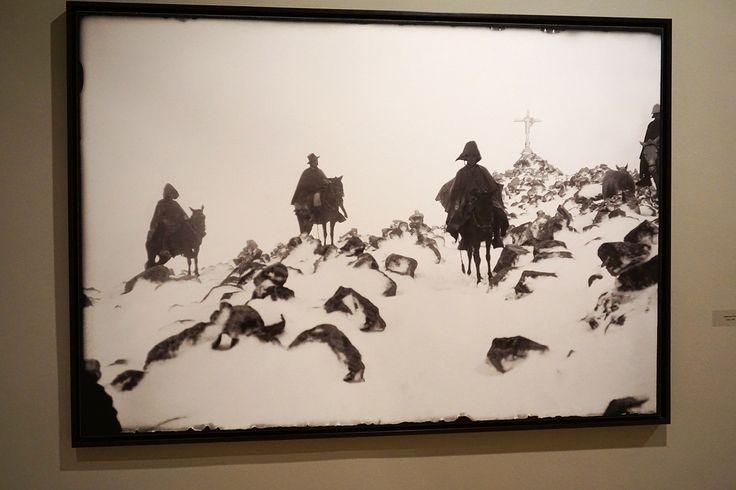 """""""Jinetes en la nieve"""" (Cuzco 1.934) Martín Chambi. Exposición """"Martín Chambi · PERÚ · Castro Prieto"""" Museo Nacional de Antropología de Madrid. #Fotografía #Arterecord 2015 https://twitter.com/arterecord"""
