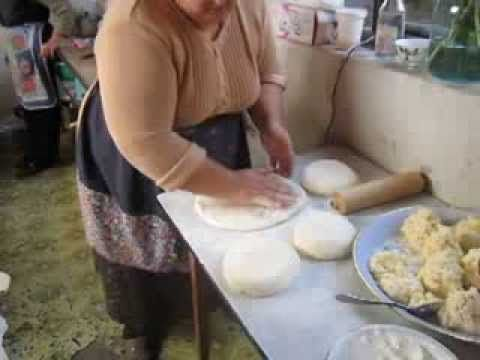 Грузинский домашный хачапури - Georgian Home hachapuri - YouTube
