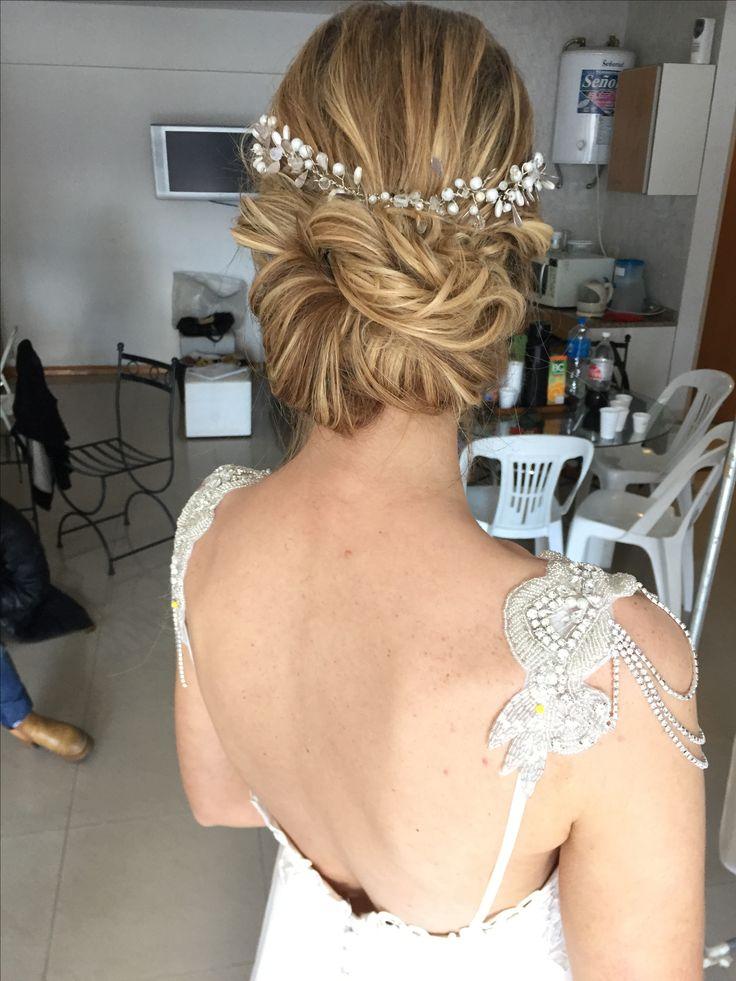Peinado by @lacoquettevictoria para @noviasmagazine