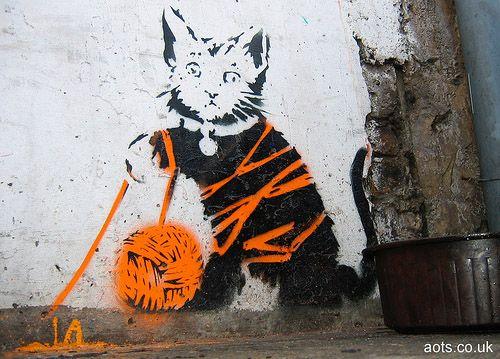 chat street art En cette année 2014, on change un peu en faisant des street art of the week thématique. C'est ainsi qu'après la femme , londres et Batman.
