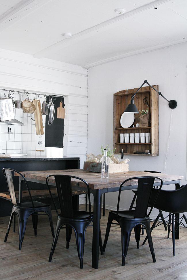rustic: black, white & wood; pass-thru tool bar