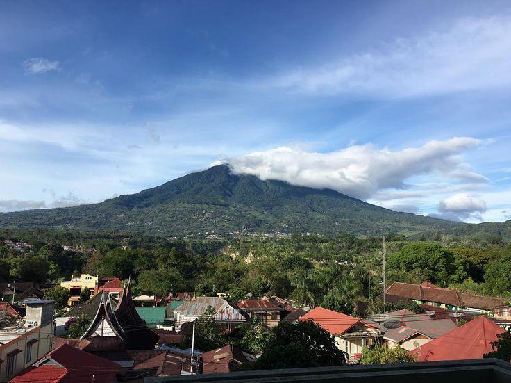 The sleeping #volcano #singgalang in #Bukittinggi - #sumatra island - #indonesia