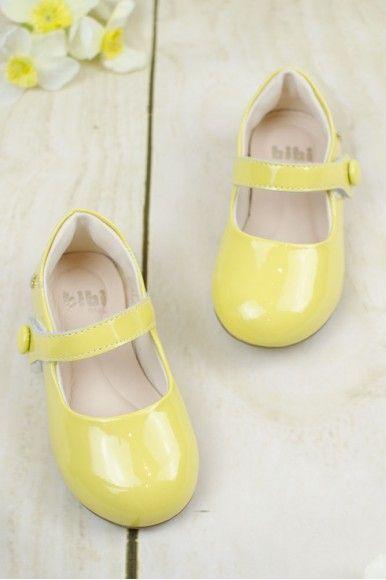 Žltá makrónka