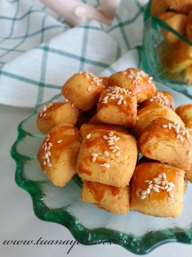 Malzemeler:  - 250 gr oda ısısında margarin  - Küçük çay bardağına 2 yemek kaşığı elma sirkesi geri kalan kısmını...