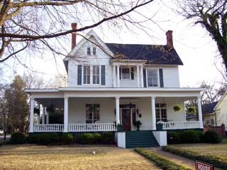 727 best images about country livin 39 on pinterest for Historic homes for sale in georgia