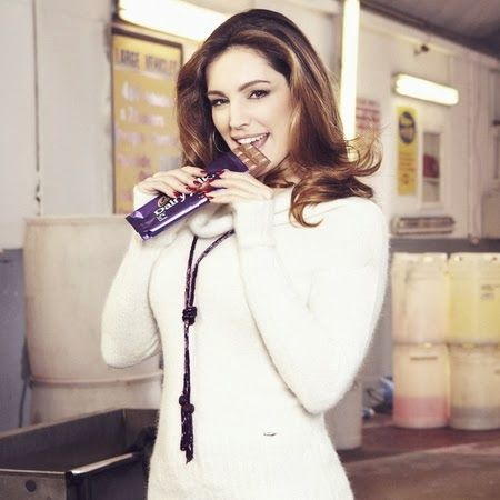 Attachment Mummy: Sponsored Video: Kelly Brook Unleashes Her Inner D...