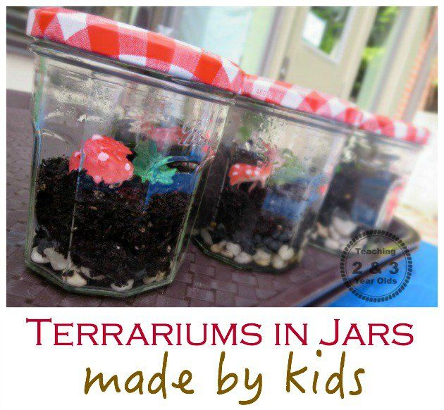 Jars are perfect to make a terrarium with kids!