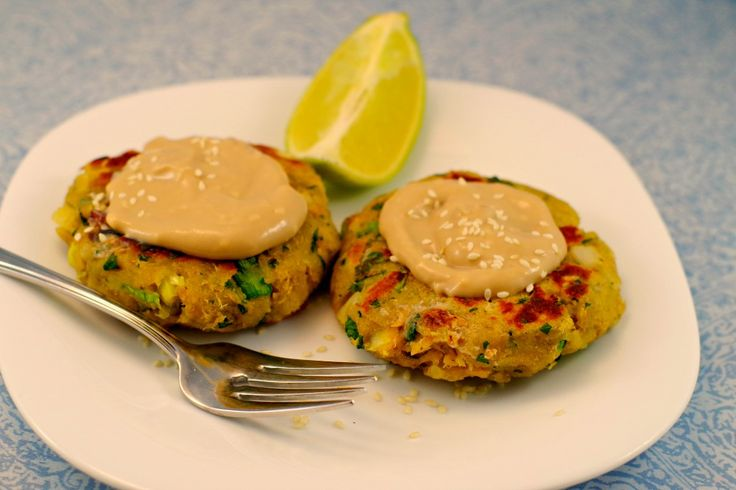 ASIAN PAN-FRIED SALMON PATTIES WITH CREAMY GINGER LIME SAUC – Dan330
