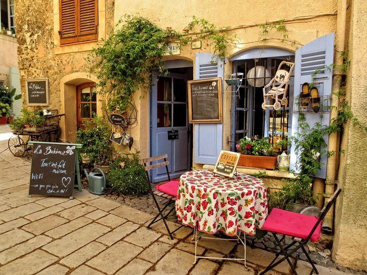 La Boheme cafe,Villecroze,Provence