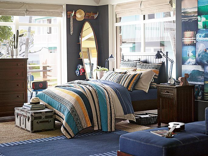 Great room for boys who love to surf.