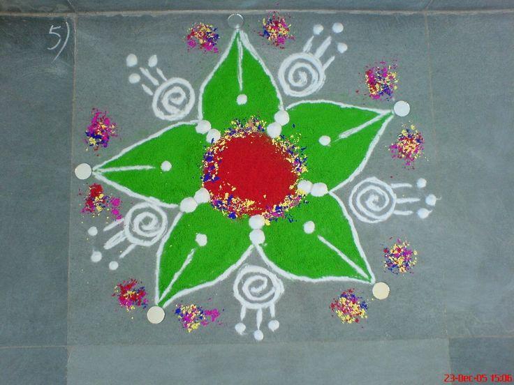 Ранголи, также известное как Колам или Муггу — народное искусство Индии. На полу в жилых комнатах или дворах создаются узоры из цветного риса, сухой муки, цветного песка или из цветочных лепестков. Это обычно делается во время индийских фестивалей Дивали, Онама, Понгал и других. Они предназначены…
