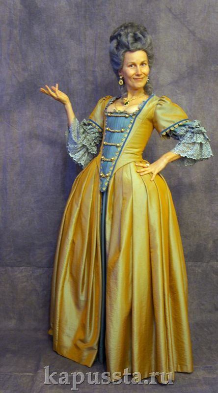 Платье шёлковое с отделкой
