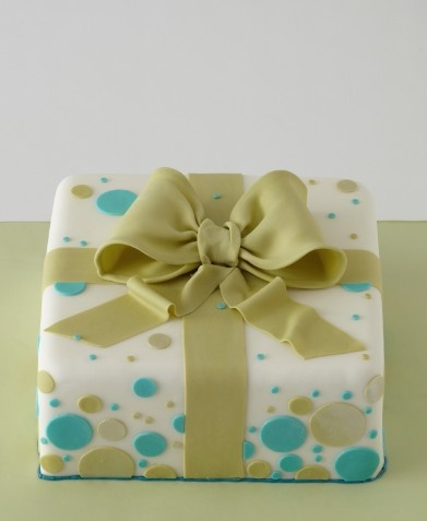 Gift Box Cake Decoration : 1000+ ideas about Gift Box Cakes on Pinterest Happy ...