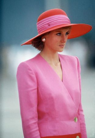 Princess Diana, March 1989 in Philip Somerville | The Royal Hats Blog