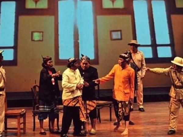Tujuh Seni Pertunjukan Teater Tradisional yang Nyaris Punah