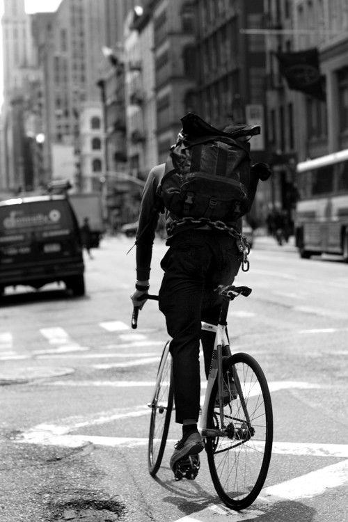 oliwrr:    (via Bike Chain as Chanel Inspiration, New York «The Sartorialist)