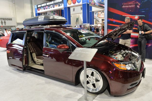 Bisimoto 2014 Honda Odyssey packs 1,029 hp plus the kids #SEMA