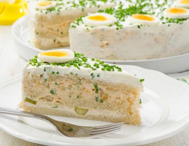 Sehe dir das Foto von Handwerklein mit dem Titel Eine pikante Sandwich-Torte ist einfach vorzubereiten und perfekt für jede Party. und andere inspirierende Bilder auf Spaaz.de an.
