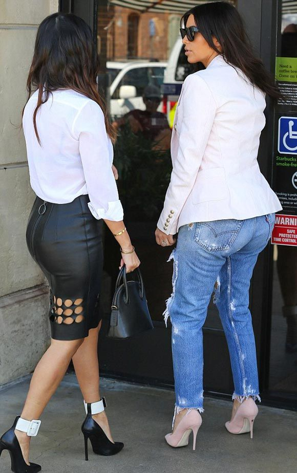 Kim-Kardashian-Kourtney-2014 Jaket:Balman Skinny Jeans:Levi's Pumps:Giuseppe Zanotti