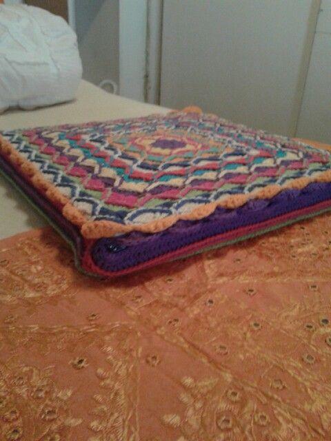 Almohadón multicolor en algodón rústico.  De Crochet NorisLotis Artesanías