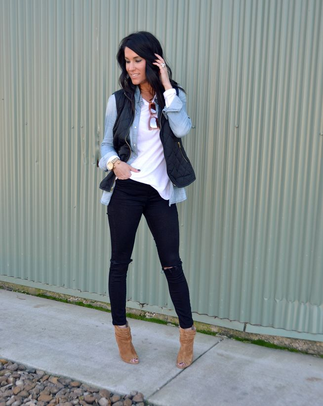 Puffer Vest outfit, fall outfit ideas, black distressed skinny jeans, peep-toe booties, brown booties.