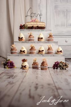 Cake Stand   Antikolt törtfehér rusztikus fa tortaállvány - RUSTIC  | Jack&Jane tortaállványok