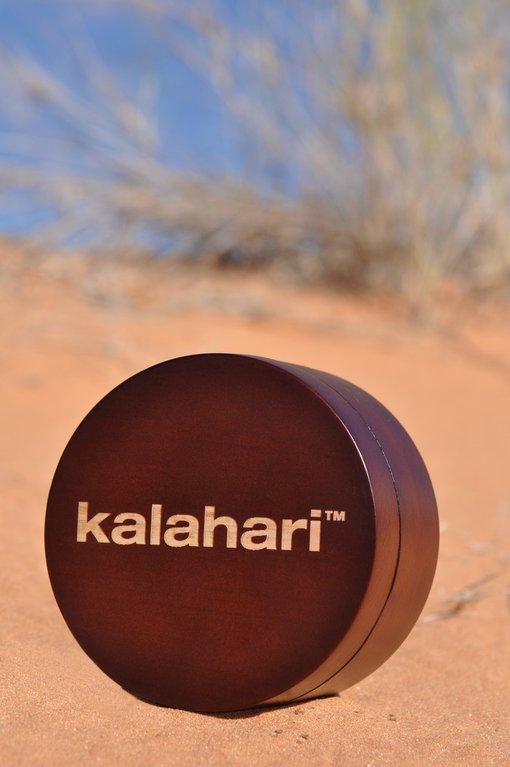 Drench your skin in this creamy feel-good balm for the ultimate decadent experience. The natural hydrating properties will nourish your thirsty skin and prevent dryness whilst leaving your skin with the delicate earthy aromas of the Kalahari Dunes. Fragrance: Khoi San.