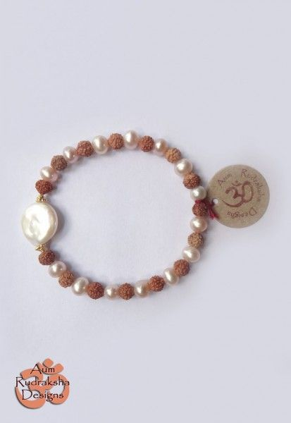 Fresh water Pearls and Gold Plated Sterling silver beads #aum #rudraksha #beads #bracelet #jewellery #silver #freshwater #pearl #bali