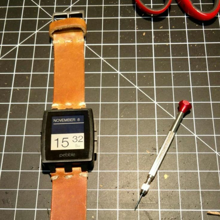 Final fitting of the Pebble Steel watch strap