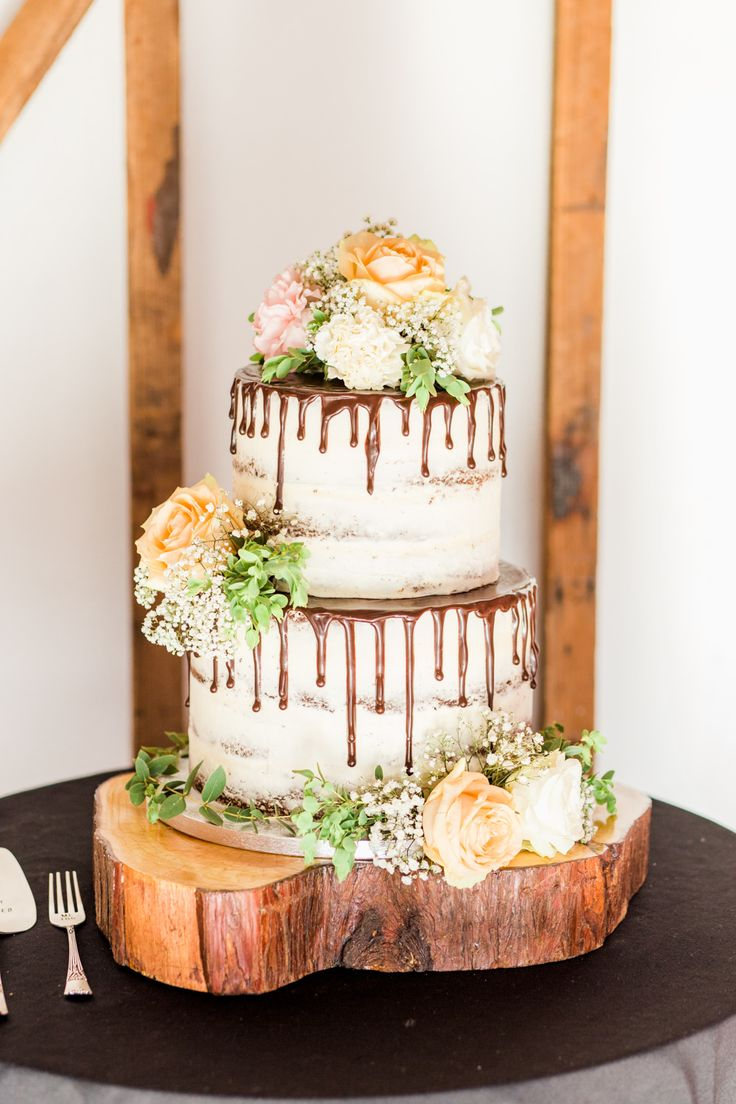 Dripping Wedding Cake | Thames Chase Centre Boho Wedding | Gyan Gurung Photography