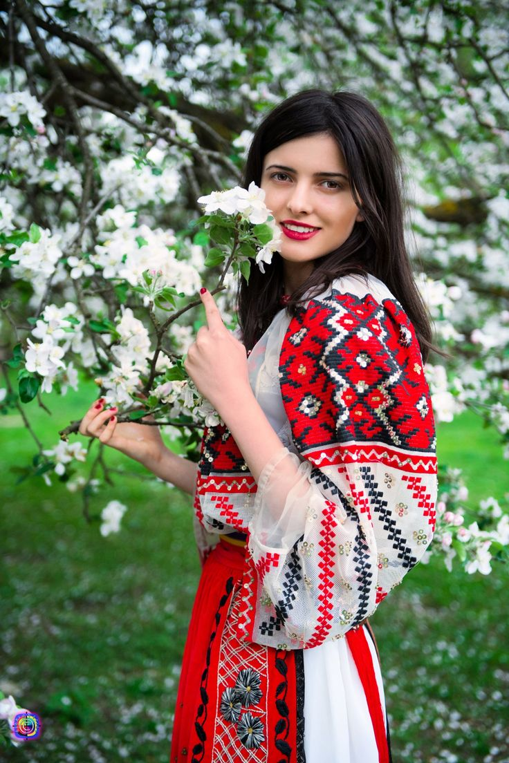 Ie românească - traditional wear from Banat - Romania